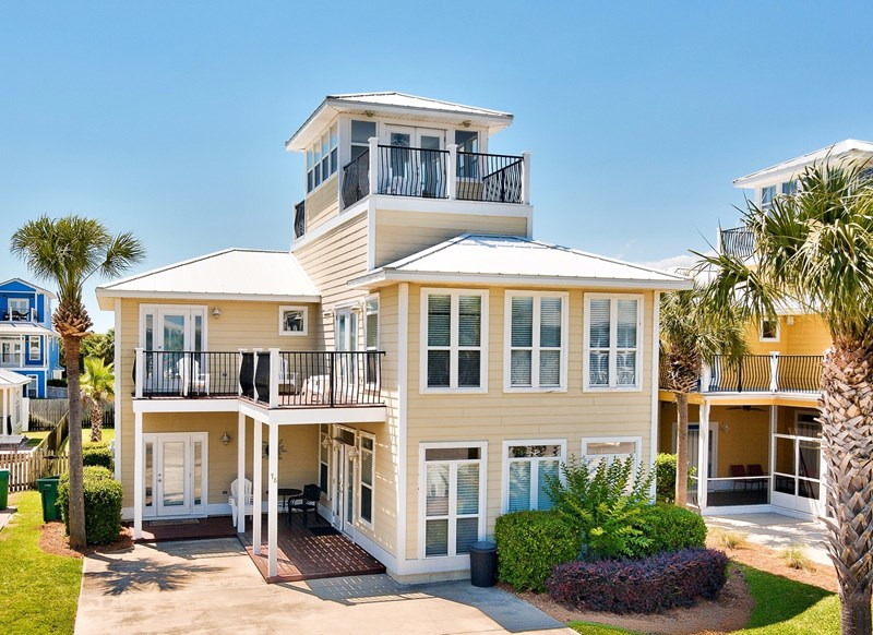 Front of DESTINED FOR FUN   Park 4 cars. Destin  sc Vacation Rentals by Owner   Destin  south carolina