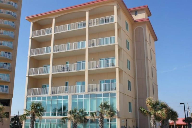 The backside of the condo looking up from the gulf.  Gulf Shores Escape Occupies the entire 5th floor with a huge balcony