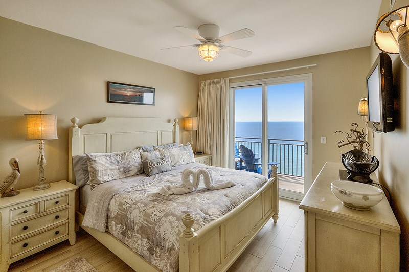 Relaxing Master Bedroom with Gulf views