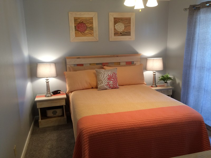 Coral Bedroom (New Queen Eurotop Mattress)